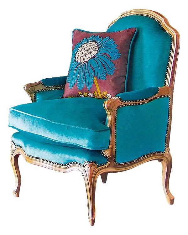 Sill n antiguo tapizado con telas modernas tendencia deco for Sofas de estilo clasico