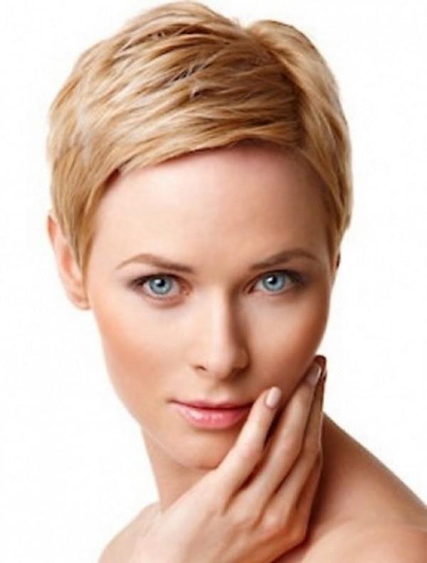 tendencias-pelo-2014-muy-corto-rubio-con-raya