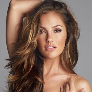 que existen casos que escapan a la necesidad de cuidados especiales son aquellos en que el grosor de la capa externa de queratin del cabello es gruesa
