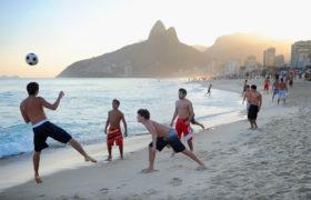 Tendencia a hacer ejercicios y deportes en la playa: Cuidados