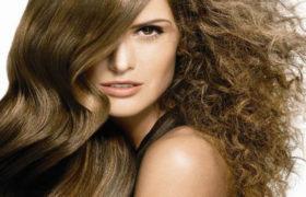 Como reducir eficientemente el frizz del cabello