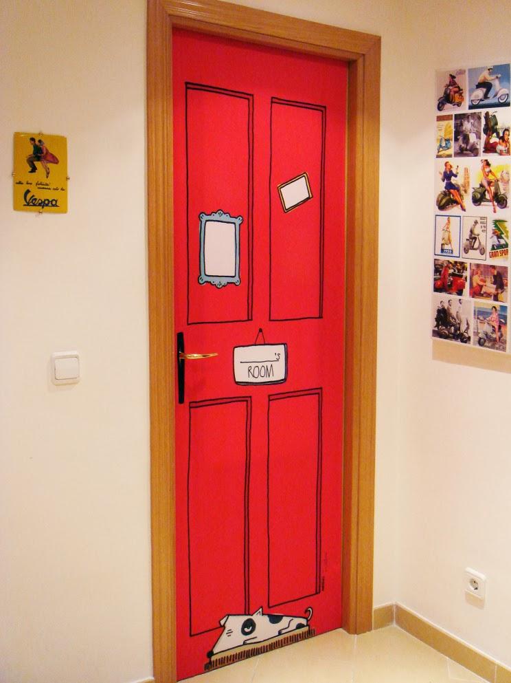 Tendencia puertas decoradas y de color moda hoy - Como pintar puertas de sapeli ...