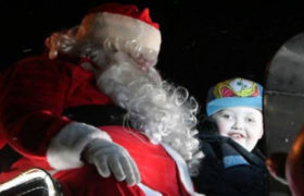 La solidaria comunidad Canadiense que adelanto la navidad por un niño con cancer