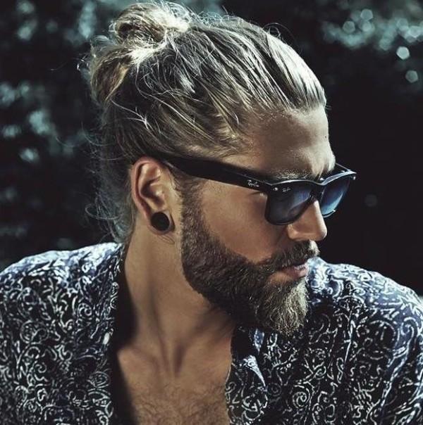 cortes-de-pelo-para-hombre-otono-2015-2016-estilo-hipster-peinado-hacia-atras-600x604